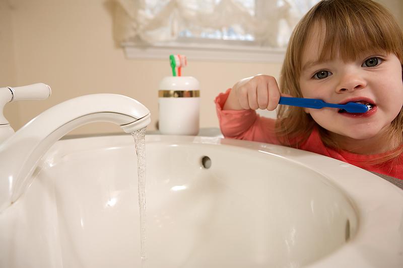 teeth brushing water wastage