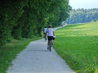sustainable-lifestyle-outdoor-activities
