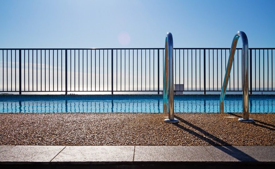 fence for pool security 1