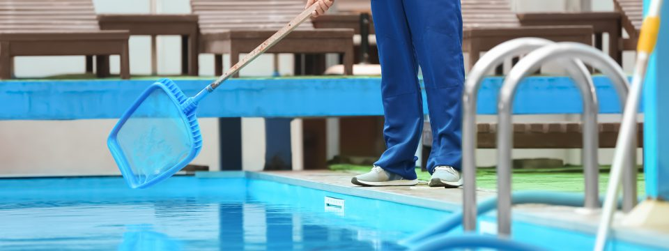 Pool-Cleaning-Service