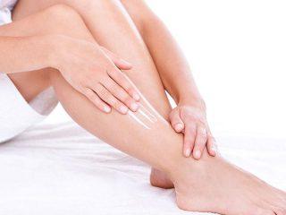 moisturizing-feet