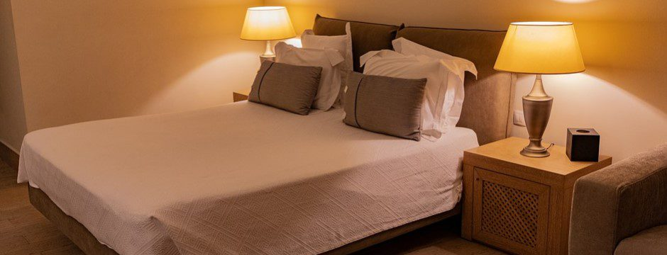 How to Keep Your Belongings Safe in a Hotel