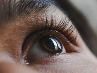tips to apply eyelash curler