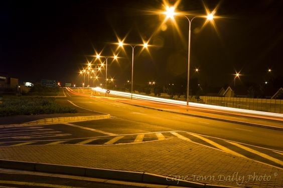advantages of solar street lighting